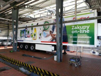 Oklejanie szyb folią ochronną w samochodzie w Białymstoku