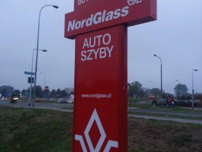 Oklejanie pylonu reklamowego z semaforem Białystok
